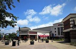 the Shopps at Grand Prairie, 5201 W. War Memorial Drive, Peoria IL, July 2020