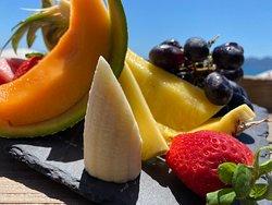 Notre Assiette de Fruits frais  Le Bénitier plage-restaurant à Cannes www.lebenitiercannes.com