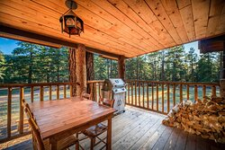 Ponderosa cabin  patio with gas grill
