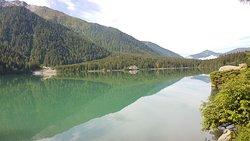 Lago e monti