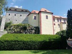 Pohled na hrad od vesnice