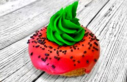The Watermelon: Vanilla donut watermelon dip with a green buttercream center!