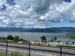 諏訪湖を一望