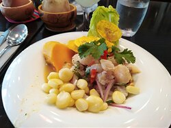 Tierra Perú comida peruana