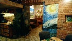 """Граффити с картиной Ван Гога """"Звездная ночь"""" (1889)"""