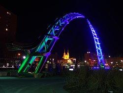 SculptureWalk & Arc of Dreams Monument