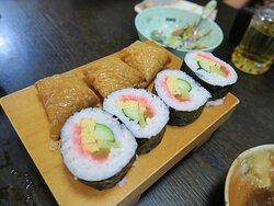 巻寿司といなり