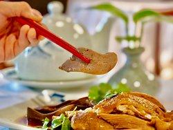 陳儀興食咩野好,生醃海鮮鵝三寶