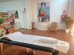 """postazione massaggi """"Sala Yoga"""", più privacy, temperatura controllata, musica d'ambiente: Tutto per il miglior massaggio!"""