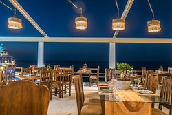 Yialos Wine Restaurant new place.