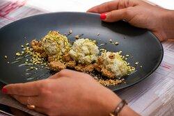 Mousse al pistacchio e granella.