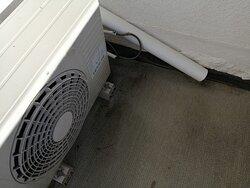 climatiseur qui fuit sur la terrasse