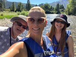 The Most Epic Adventure on the Wenatchee River : Tube Float