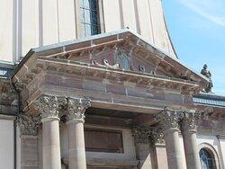 Eglise de Burnhaupt-le-Bas en rénovation intérieure (photo extrieure)