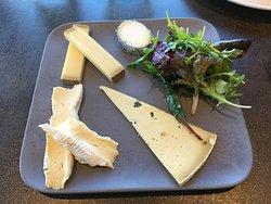 Fromage ou dessert, Personnellement, j'ai choisi le non sucré : Très copieux et excellents fromages.
