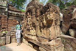 Welcome to Ta Som Temple where you can see very beautiful tree and big, take photo by Mr Smarty and provider tour by Angkor Smarty Driver.