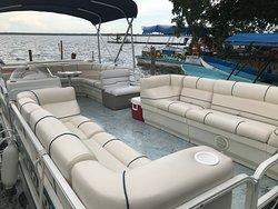 Conoce nuestras embarcaciones, amplias, cómodas, seguras y limpias.