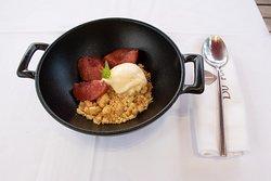 Dessert par notre Cheffe,  au  restaurant le Café du Pond