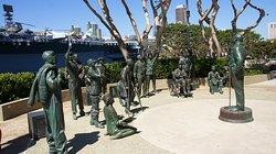Памятник комику Бобу Хоупу