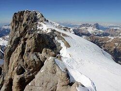 Vetta e ghiacciaio della Marmolada