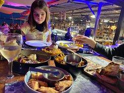 Atmósfera de 10, comida de 9, servicio 👎