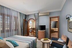 Standard Room One King Beds