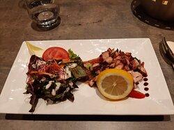 Salade de poulpes aux salicornes et riz de veau aux morilles délicieux !!!!