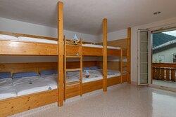 12 Bett-Zimmer