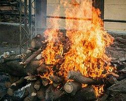 Fire of Hindu cremation site at Manikarnika Ghat.