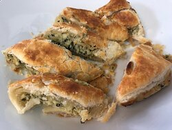 Mrs Mac Spinach & Ricotta Sausage Roll $5.00