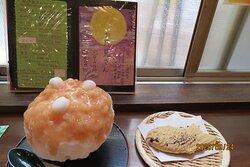かき氷(お月見さん)とたい焼き