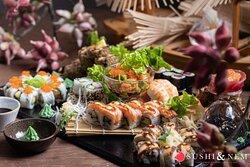 🤤 ADD A LITTLE SUSHI TO EACH DAY 🤤 Die Woche startet wieder von vorne und wir haben eine super Idee für die Gestaltung Eurer Woche: 𝐒𝐮𝐬𝐡𝐢, 𝐒𝐮𝐬𝐡𝐢 𝐮𝐧𝐝 𝐧𝐨𝐜𝐡 𝐦𝐞𝐡𝐫 𝐒𝐮𝐬𝐡𝐢! 🍣 Schließlich kann man niemals genug von Sushi bekommen, nicht wahr? Startet klein und beendet diese Woche mit unserer leckeren Sushi-Platte!  Lasst es Euch schmecken. Wir freuen uns auf Euch! 🥰