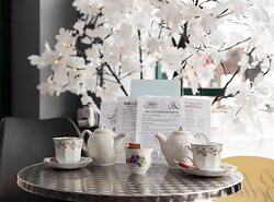 Tea service in a great atmosphere