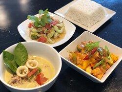 Menu Chiang Mai (take-away) Green curry calamari, chicken with cashewnuts, Thai pomelo salad, steamed jasmin rice