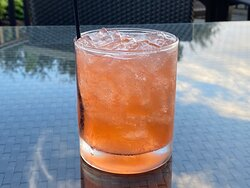 Oceanic Flightplan$14.00 Aviation American gin, Dolin Blanc, fig jam, fresh lemon, cinnamon & a dash of bitters 240 cal
