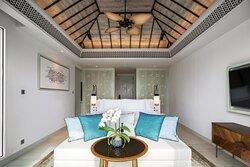 Premium Ocean Pool Suite