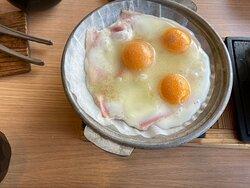 自分でベーコンの枚数・卵の数を決めれます。