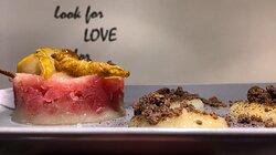 Tartare di tonno, purea di pera william con crumble salato alla liquirizia