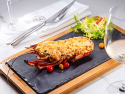 Grilled lobster with cheese