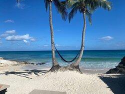 Beautiful relaxing beach club! :)