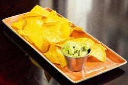 Guacamole & Nacho Chips con Servizio di Delivery