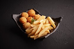 Cheesy Crab Poppers  (Chizu Kids Poppers) Kids' Favourite! A Ball of Cream Cheese, Shredded Mozzarella, Crabstick, Spring Onion, Served with Potato Sticks