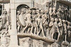 Легионеры в строю. Барельеф колонны.