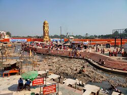 No water in river at Har ki Pauri, cleaning of river bed is on.
