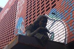 Estatua Anna Frank