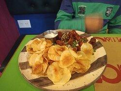 La comida es exquisita, con gusto a mexicana realmente.
