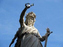 La statua (particolare)