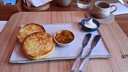 Pão Delícia  com geléia e creme de queijo - imperdível