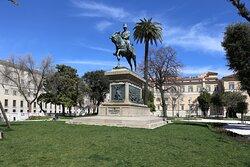Памятник королю Сардинии