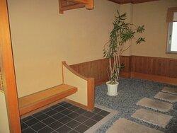 廊下の設けられた休憩所
